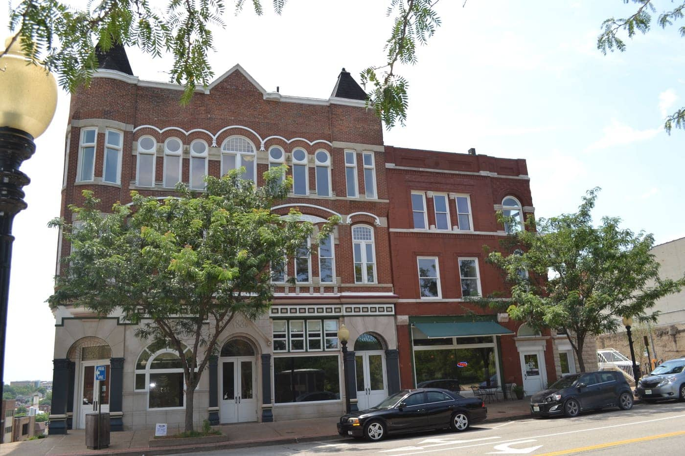 Merchant's Bank and Neef Terrace